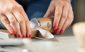 How do you sharpen with a HORL 2?