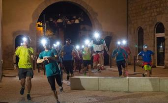 Running? Actively enter autumn with a head torch