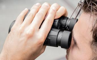 Adjusting your binoculars