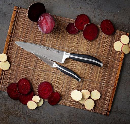 Couteaux de cuisine Zwilling : modification de la gravure sur les lames