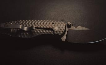 Robert Young Pelton: perhaps the most interesting designer in the pocket knife world