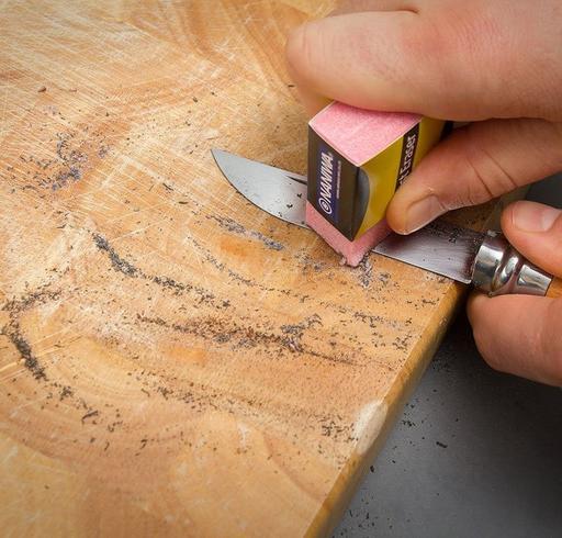Hoe verwijder je roest van je mes?