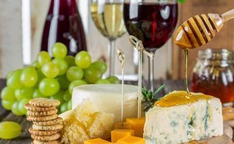 Du pain, du fromage et en octobre, du vin !